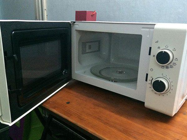 Lò vi sóng có nướng Electrolux EMM2019W